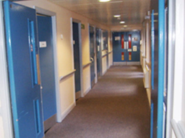 Fire door installation 640x480