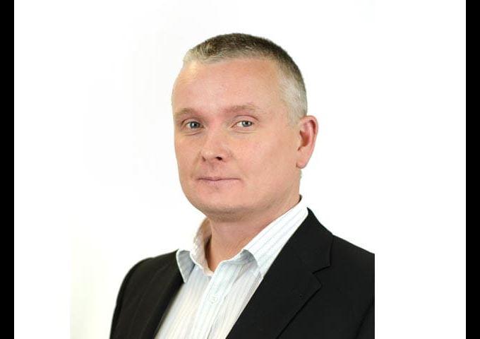 Dr. Simon Hindle