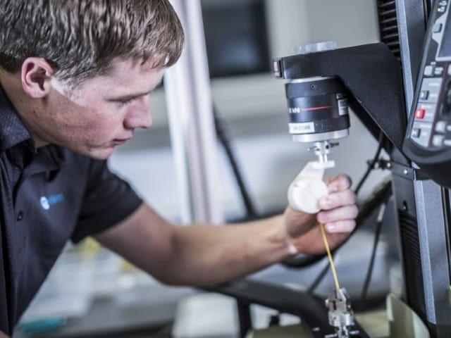 medical device tensile testing 640x480