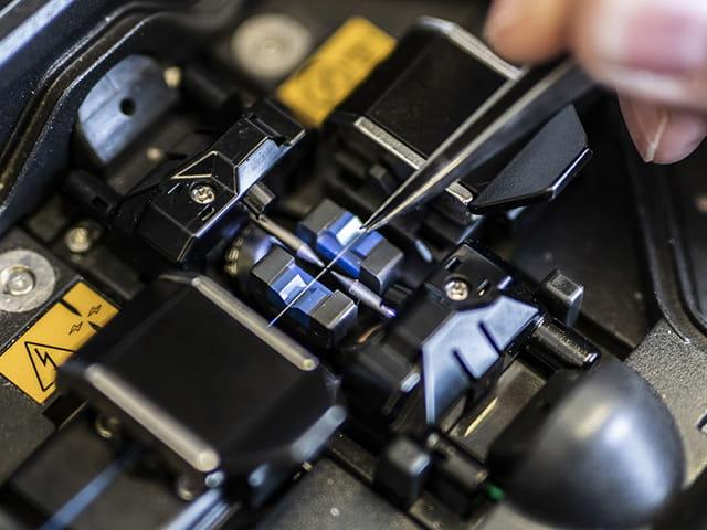Kalibrierung optischer Messgrößen - Prüfung von gespleißten Glasfasern